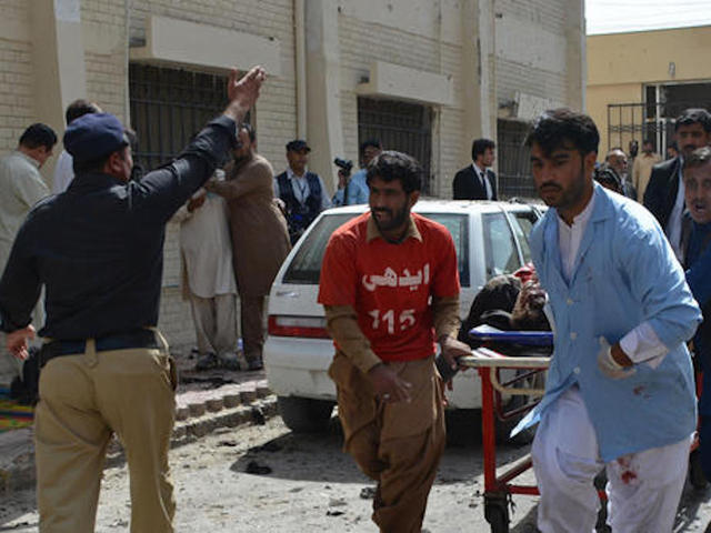 Lawyers in Pakistan boycott courts after bombing