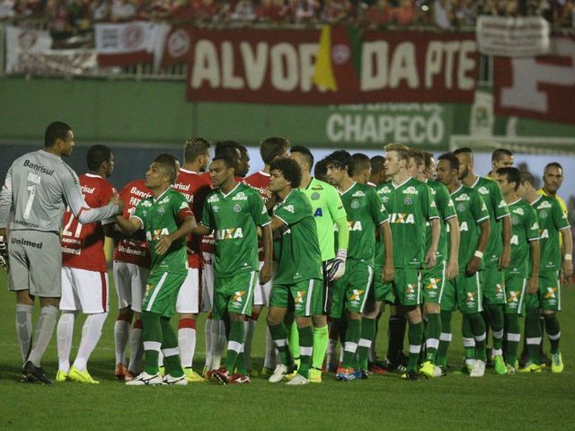 Plane thought to be carrying Brazilian football team crashes in Colombia