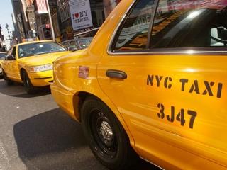 Taxi driver runs over, kills man after threat