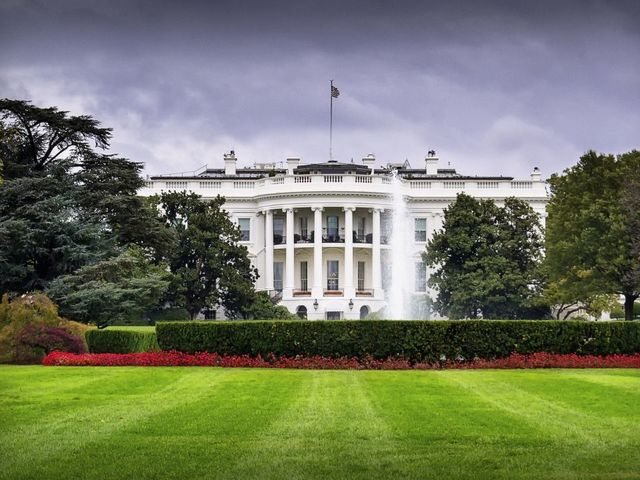 Secret Service investigating suspicious package near White House grounds