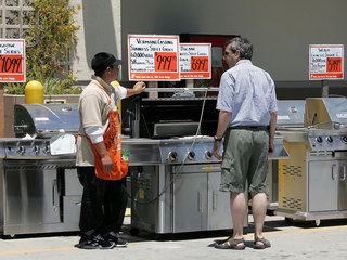 Men look online for 'generic dad' to grill with