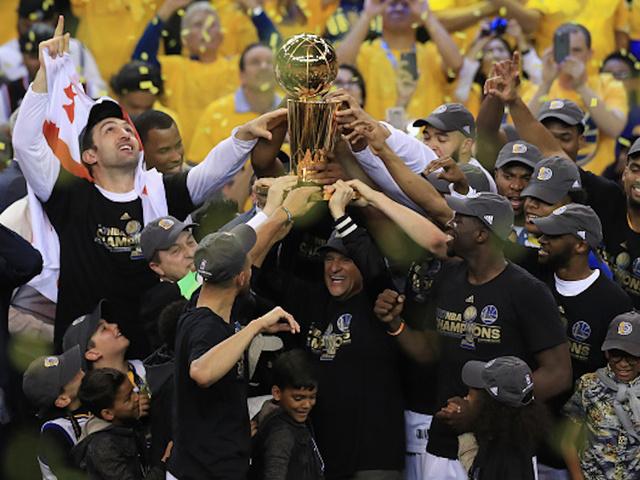 Oakland triumphant as parade set to celebrate NBA's Warriors