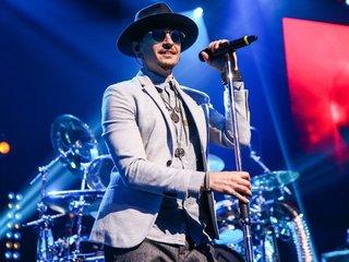 Linkin Park singer Chester Bennington, 41, dead