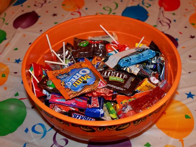 quiz what kind of halloween candy are you fox 47 news wsym lansing jackson