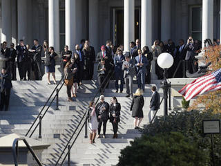Trump bucks protocol on press access