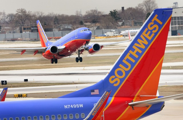 Southwest Airlines Co (LUV) Expected to Post Quarterly Sales of $5.11 Billion