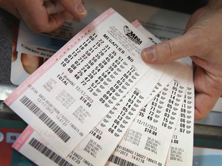 Mega Millions jackpot jumps to $900 million