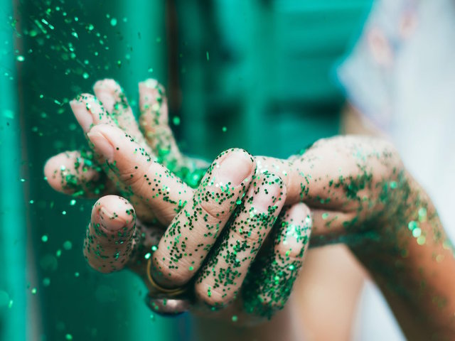 Scientists: To save the environment when need to pass on the glitter