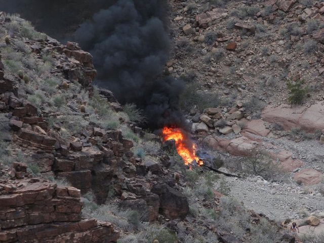 3 killed, 4 injured after helicopter crashed near Grand Canyon