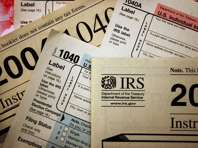 IRS electronic filing system breaks down hours before tax deadline