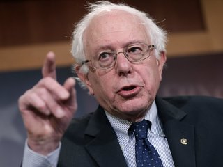 Bernie Sanders to rally for Gretchen Whitmer