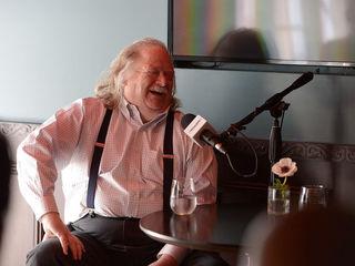 Pulitzer-Prize winning restaurant critic dies