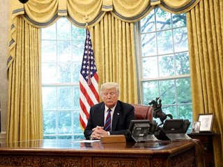 Trump delays classified document release